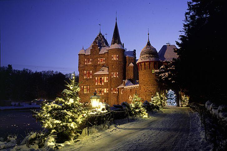 Weihnachtsmarkt auf der Burg Satzvey - Fotos © Jürgen Sittig