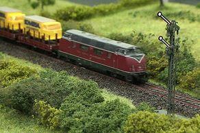 Messe Modellbahn Köln – Szene Signal auf einer Modellbahnanlage