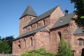 Nideggen – die romaniche Kirche aus dem 12. Jahrhundert in der Vorburg errichtet