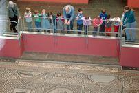 Römisch-Germaisches Museum Köln – das Dionysosmosaik ist mit 27 mehrfarbigen Medaillions geschmückt
