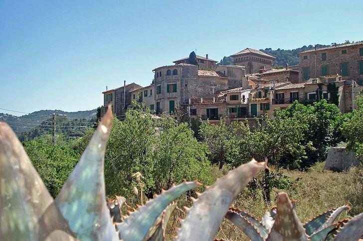 Mallorca – Blick auf Valldemossa