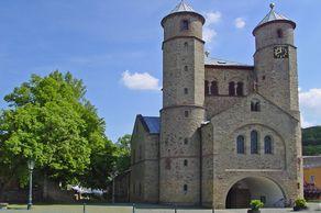 St. Chrysantus und Daria – romanische Stiftskirche in Bad Münstereifel