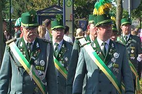 Bundesschützenfest in Hürth – Schützen in Tracht