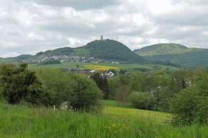 Blick in die weite Landschaft auf dem Olbrücker Panoramaweg, der Georoute M