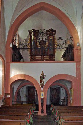 Kloster Niederehe – Innenraum der Kirche mit Orgel