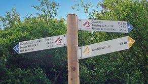 Ahrsteig-Hinweisschilder – die gesamte Wegstrecke ist sehr gut ausgeschildert