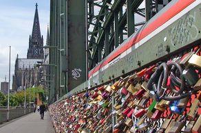 Köln – die mitlerweile legendären Liebesschlösser an der Hohenzollernbrücke