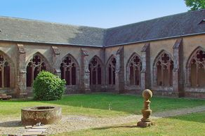 Stiftskirche Kyllburg – vollständig erhaltener Kreuzgang