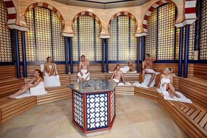 Thermen & Badewelt Euskirchen – Blick in die im orientalischen Stil dekorierte Alhambra-Sauna. © Foto Thermen & Badewelt Euskirchen GmbH