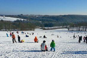 Skifahren und Rodeln am Weissen Stein in Udenbreth