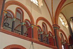 Sinzig – St. Peter – Innenraum der romanischen Kirche