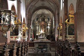 Innenraum der Klosterkirche Steinfeld (5. Etappe Eifelsteig)