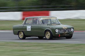 Eine Alfa Giulia beim Markenclub-Rennen bei der Historic Trophy Nürburgring