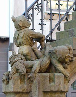 Die erschreckten Heinzelmännchen am Treppenende