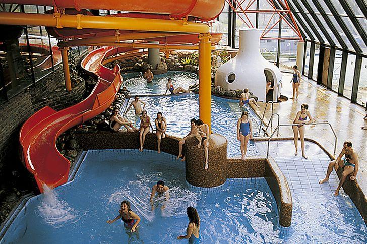 Cochem – Freizeitzentrum – Moselbad – Schwimmbad mit Rutsche © Moselbad