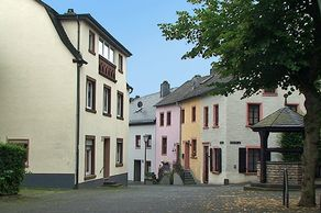 Hillesheim – Ortkern mit historischen Häusern