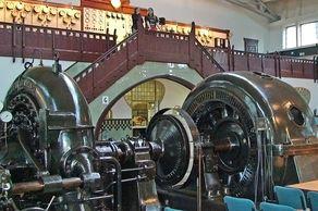 Heimbach – Wasserkraftwerk – Turbinen im Innenraum