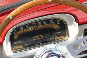 Classic Cars & Caravans in Niederkassel – Blick ins Cockpit