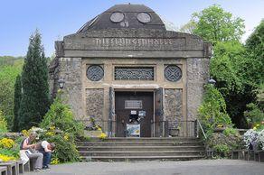 Drachenfels – Nibelungenhalle