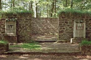 Matronensteine – Römische Tempelanlage bei Pesch