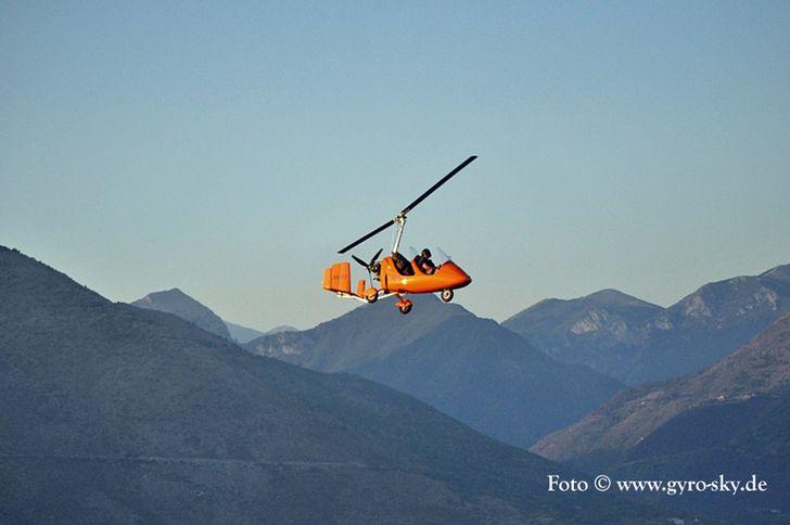Tragschrauber von Gyro-Sky über den Alpen © Gyro-Sky.de