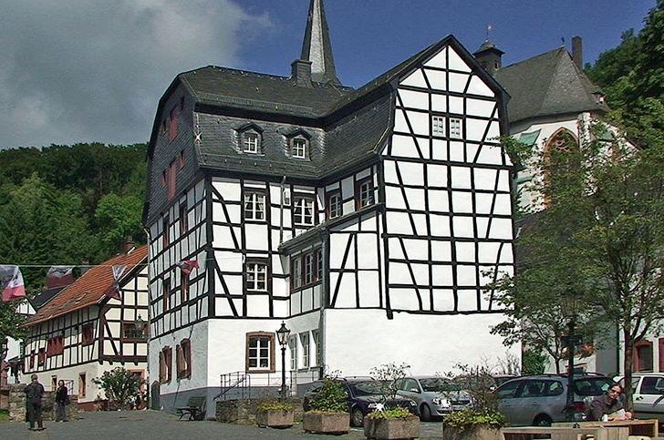 Blankenheim – Im sehenswerten Gildehaus ist das Römerstraßen Infozentrum beherbergt