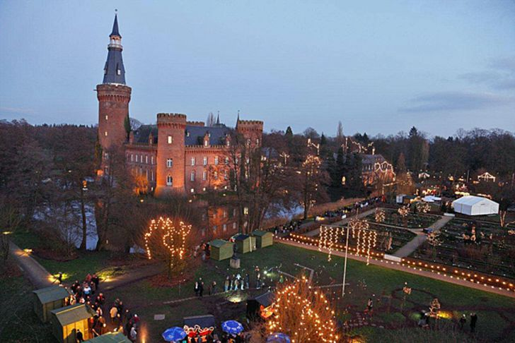 Weihnachtsmarkt Schloss Moyland in Bedburg-Hau © Foto Schloss Moyland