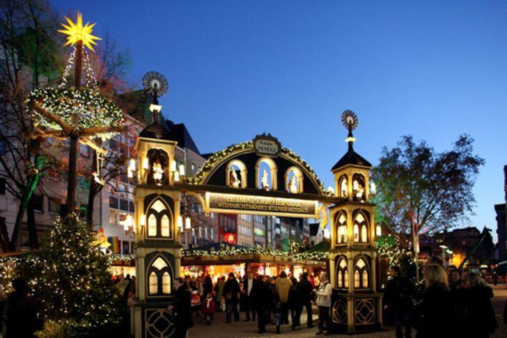 Weihnachtsmarkt der Heinzel auf dem Alter Markt – Foto © www.weihnachtsmarkt-altstadt.de