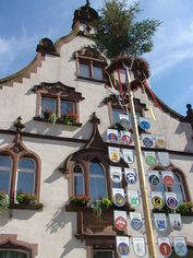 Fassade des Rathauses in Oberharmersbach