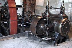 Industriemuseum Euskirchen – alte Dampfmaschine zum Antrieb der Maschinen