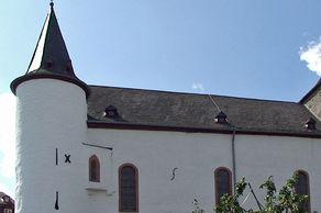 Wildenburg in Hellenthal – Kirchenbau im Innenhof