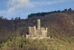 Burg Maus –direkt am Rheinsteig gelegen