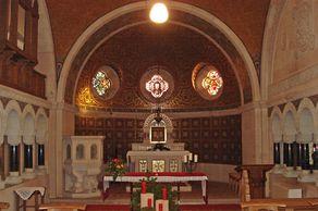 Erlöserkirche in Mirbach – reich geschmückter Innenraum