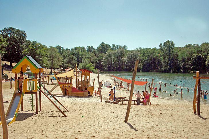 Badesee mit Naturbad in Köln Vingst