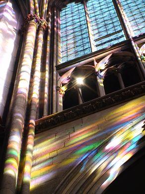 Lichtspiel des Richter-Fenster im Kölner Dom