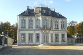 Jagdschloss Falkenlust bei Schloss Brühl 1729 bis 1740 im Stile des Rokoko erbaut