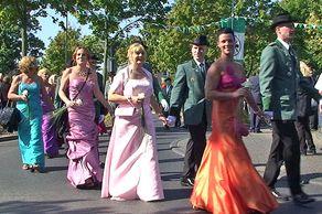 Bundesschützenfest in Hürth – Schützenpaare im festlichen Gewand