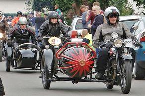Rund um Bad Münstereifel – Internationale Ausfahrt  Motorräder bis Baujahr 1939 – Gespann am Start