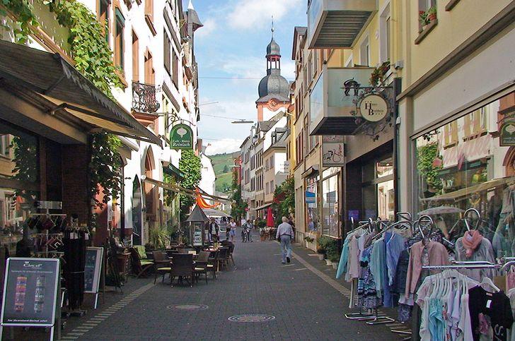 Zell (Mosel) – Fußgängerzone in der Altstadt