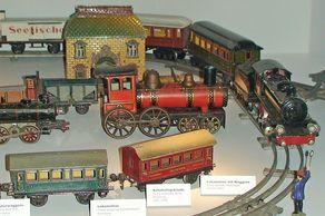 Blechspielzeug – Eisenbahn-Spielzeug von verschiedenen Herstellern (Märklin, Gebrüder Bing, Karl Bub, Siegfried Günthermann)aus der Sammlung des Rheinischen Landesmuseums für Volkskunde