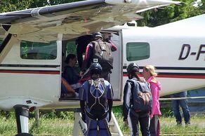 Dahlemer Binz – Fallschirmsport – Einstieg der Springer ins Flugzeug