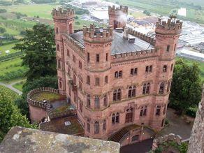 Schloss Ortenberg - Blick vom Schimmelturm auf das Hauptgebäude mit der Jugendherberge