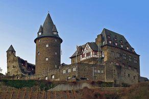 Burg Stahleck oberhalb von Bacharach – heute eine Jugendherberge