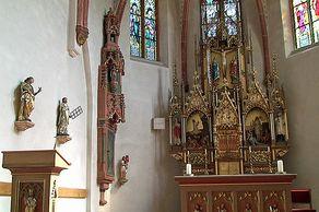 Monreal – Innenraum der Kirche Heiligste Dreifaltigkeit