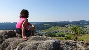 Blick auf die Schwarzwaldberge vom Hochtal Steig
