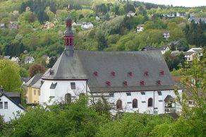 Bad Münstereifel – Jesuitenkirche St. Donatus von der Anhöhe aus gesehen