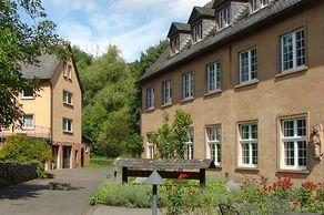 Kloster Springiersbach – Klostergebäude, in denen zahlreiche Seminare stattfinden.