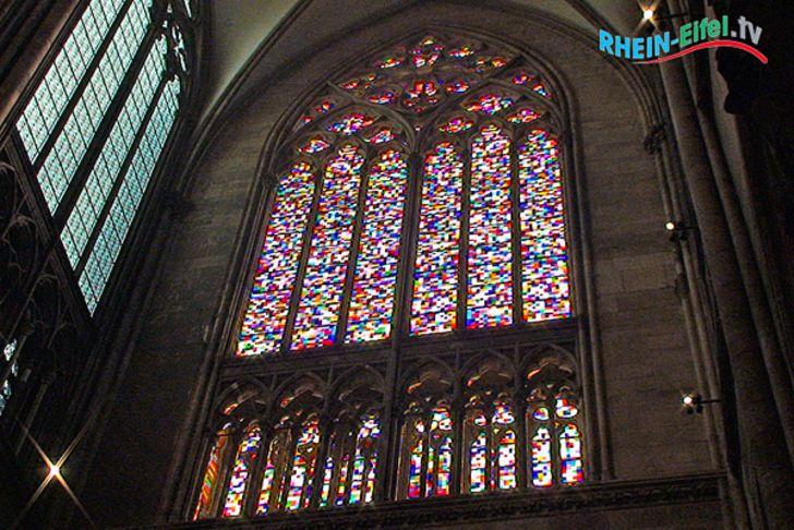 Kölner Dom – das Richter-Fenster im südlichen Querhaus