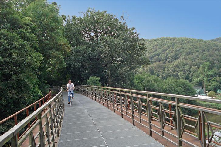 Radweg-Eifel-Ardennen – fahrradtaugliche alte Eisenbahnbrücke