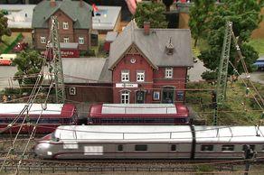Modellbahn Köln – Szene Bahnhof Gruiten auf einer Anlage